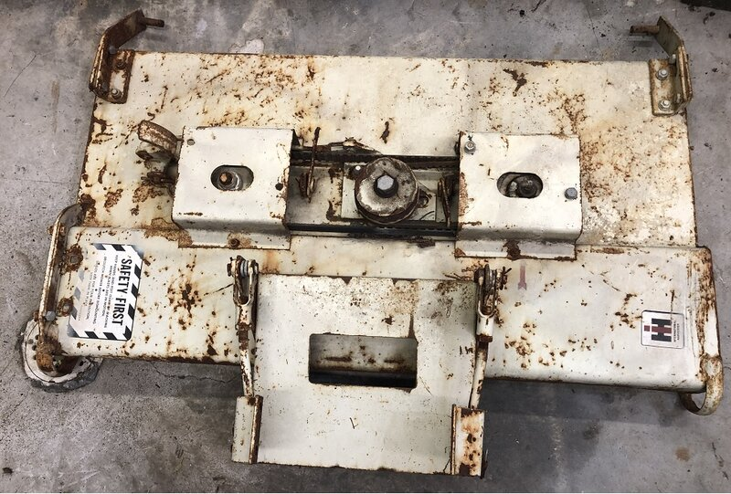 10-2019 Cub Cadet original mower deck before.jpg